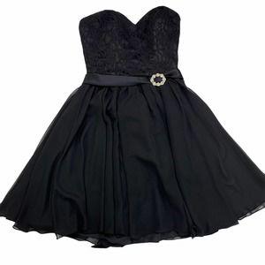 Mori Lee Fit & Flare formal black party dress sz 6